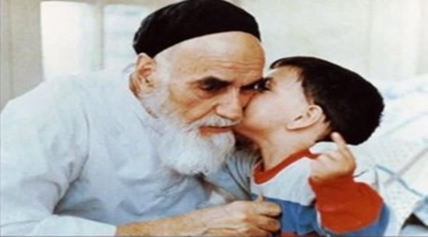 گوشه ای  از سبک زندگی بزرگ پرچمدار انقلاب اسلامی
