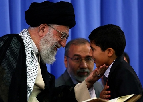 قرائت قاری نوجوان سید طه حسینی  در محضر مقام معظم رهبری